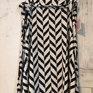 LuLaRoe XL Azure Skirt Black and White NWT